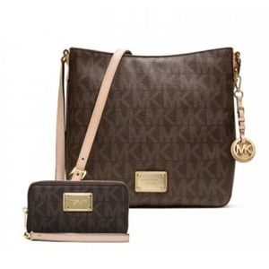 #crossbodymkbag #matchingwallet #luxuryhandbags